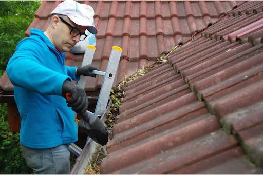 Cleaning and Gutter Vacuuming Options – The Benefits of The Process
