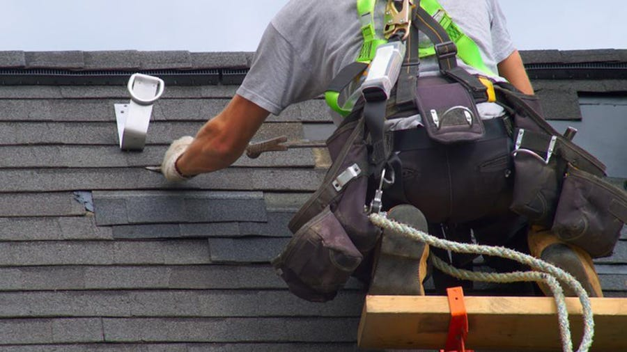 Importance Of Hiring The Professional Roof Restoration Contractor
